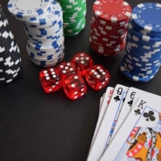 PLAYING POKER HOW TO KILL AN HOUR