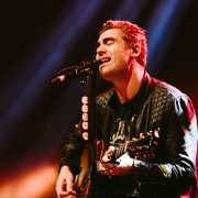 busted singing live event photography