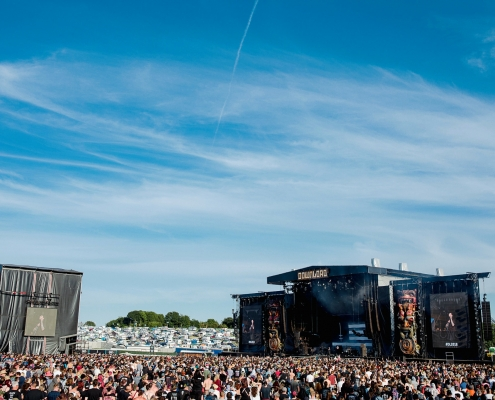 main stage download festival crowd shot photographer festivals