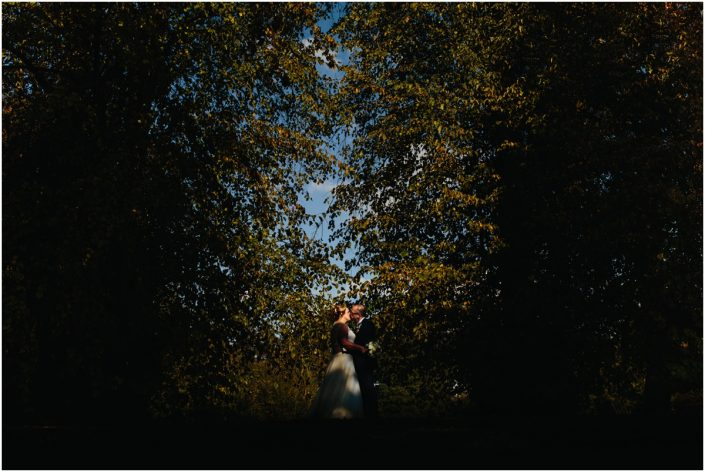 cheshire wedding double tree hilton photography bride and groom kissing