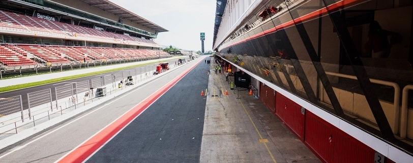 Pit straight F1