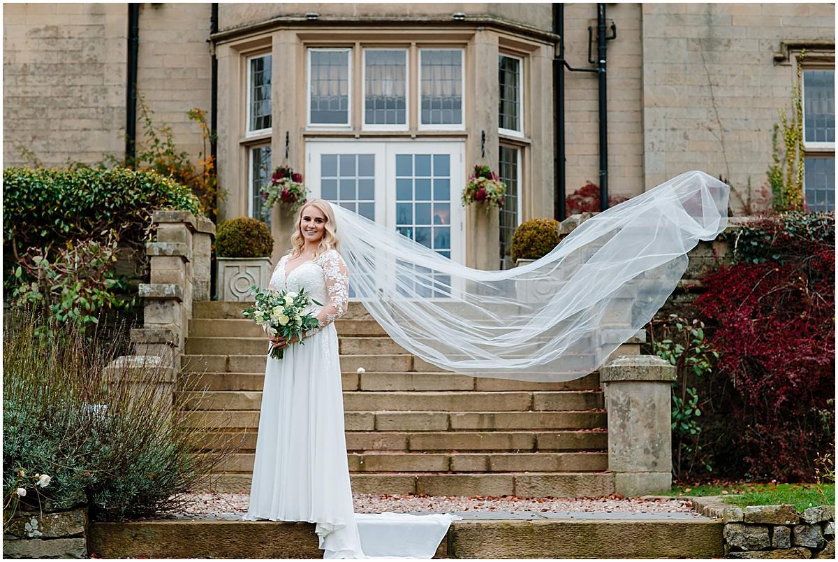 bride folkon manor group photos